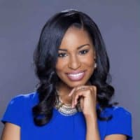 """Dr. Cassandra Bolar and Host Myra McKnight discuss """"Dating with Your Clothes On"""""""